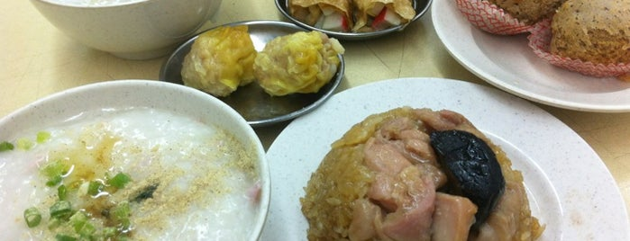 Swee Choon Tim Sum Restaurant is one of Micheenli Guide: Supper hotspots in Singapore.