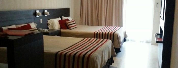 Icaro Suites is one of Locais curtidos por João Luiz.