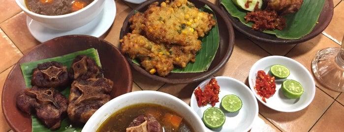 Sop Buntut Mangga Besar is one of favorite restaurant.