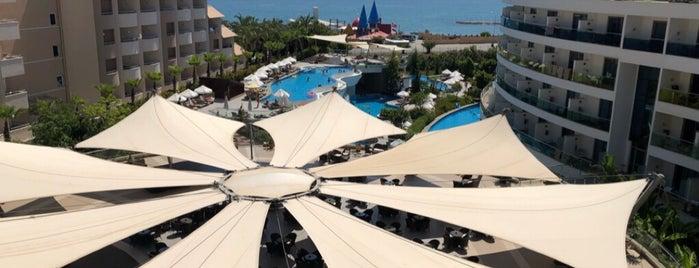 Long Beach Harmony Resort & Spa is one of Turcihan'ın Beğendiği Mekanlar.