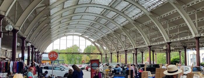 Green Park Station Market is one of Lugares favoritos de Manuel.