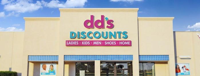 dd's DISCOUNTS is one of สถานที่ที่ Photog Peter ถูกใจ.