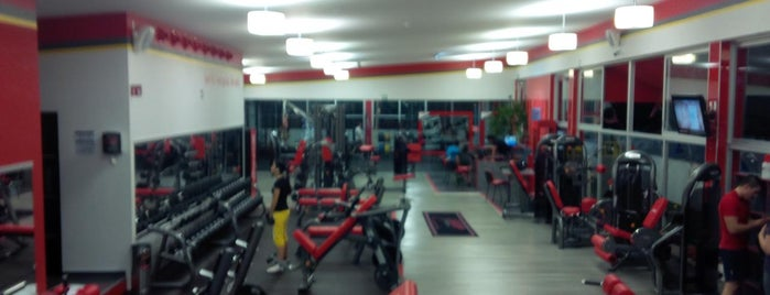 Snap Fitness 24/7 is one of Lugares favoritos de Joshi.