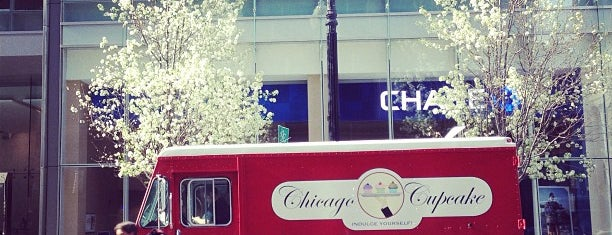 Chicago Cupcake is one of Lugares guardados de Nikkia J.
