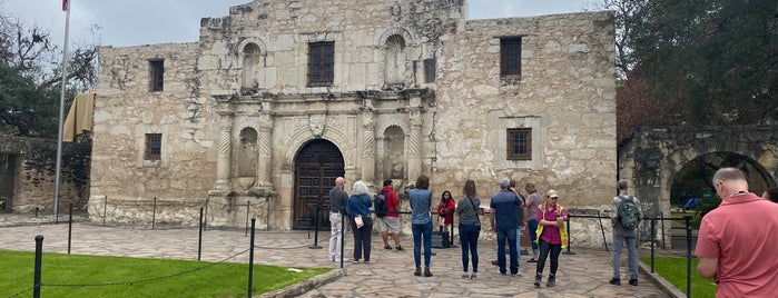 Fortress Alamo: The Key To Texas is one of San antonio.