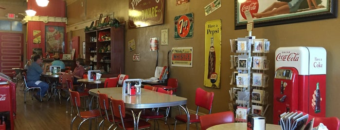 Rockin' Relics is one of Diners, drive-ins, and such.