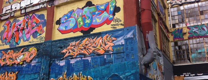 5 Pointz is one of Coolplaces Nyc.
