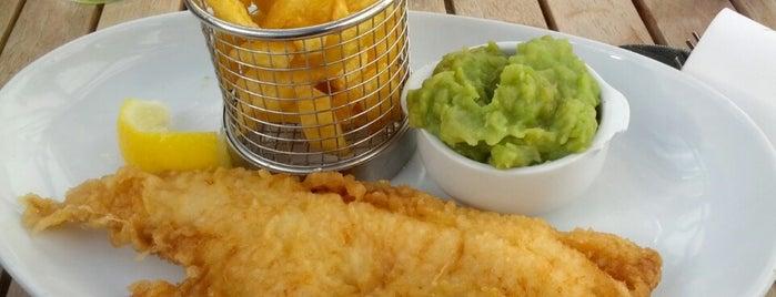 The Tailend Fish Bar is one of Posti che sono piaciuti a Burcu.