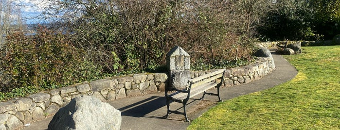 Lakewood Triangle is one of Seattle's 400+ Parks [Part 2].