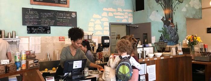 Chaco Canyon Organic Café is one of สถานที่ที่บันทึกไว้ของ Dat.