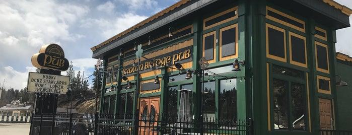 Brown Bridge Pub is one of Tempat yang Disukai Christina.