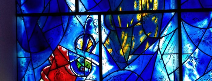 Chagall's American Windows is one of Locais curtidos por Michael.