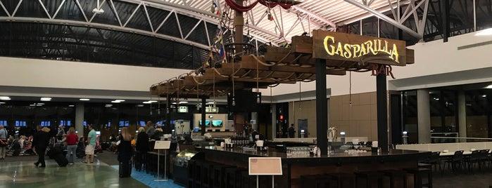 Gate F82 is one of สถานที่ที่ Sunjay ถูกใจ.