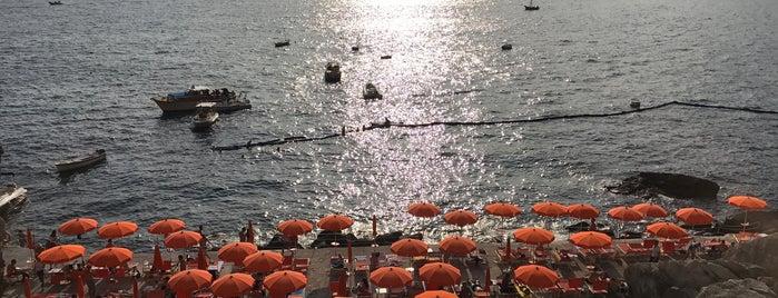 Spiaggia La Gavitella is one of Locais curtidos por Bradley.