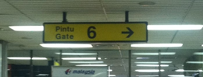 Gate 6 is one of Remy Irwan 님이 저장한 장소.
