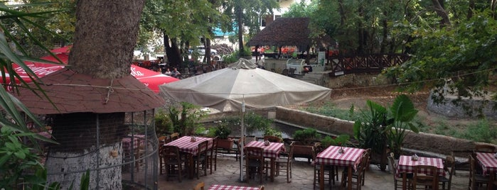 Vrysai is one of สถานที่ที่ Celia ถูกใจ.