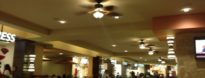Royal Hawaiian Food Court is one of Tempat yang Disukai Jason.