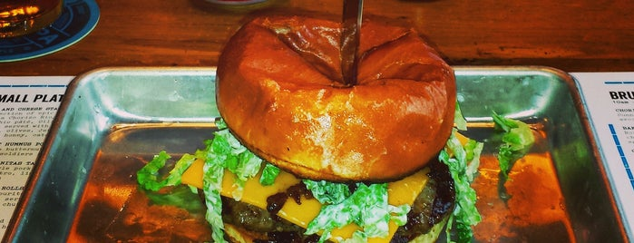 BrewDog USA is one of Lugares favoritos de Mark.