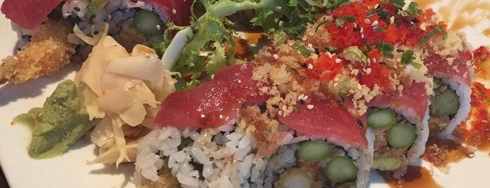 Fah Asian Bistro & Sushi Bar is one of สถานที่ที่ Charles ถูกใจ.