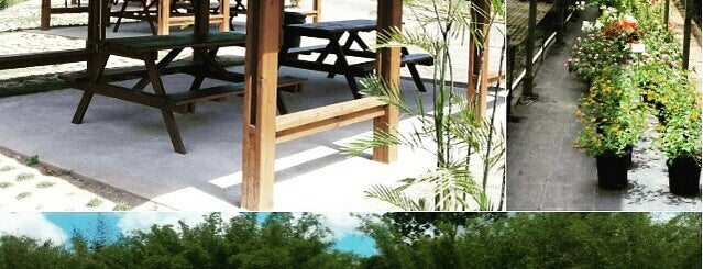 La Vega Estate is one of Rs Trinidad.