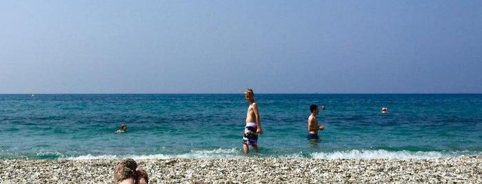 Playa El Chucho is one of Nerja.