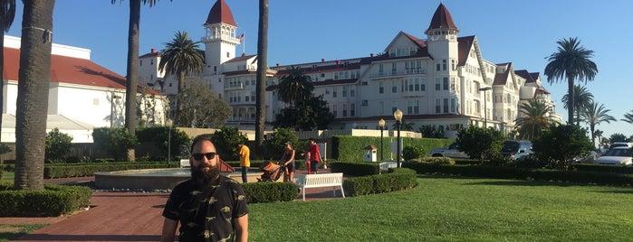 Hotel del Coronado is one of Tempat yang Disukai Enrique.