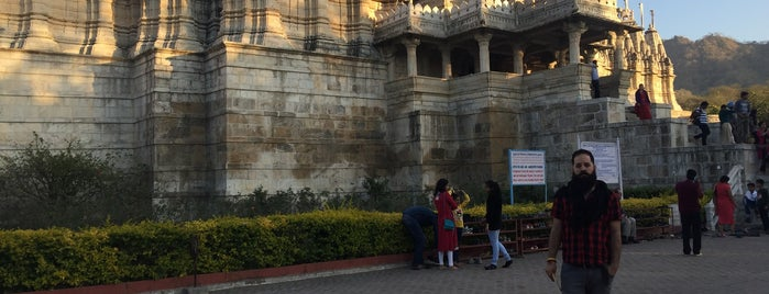 Ranakpur Jain Temple - Chaumukha is one of Posti salvati di Enrique.