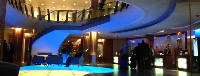Radisson Blu Royal Viking Hotel is one of Lugares favoritos de Sven.