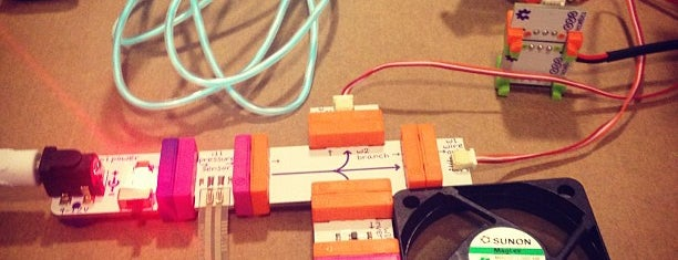 littleBits is one of Locais curtidos por Mike.