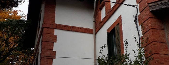 Cercedilla is one of สถานที่ที่ Maria ถูกใจ.