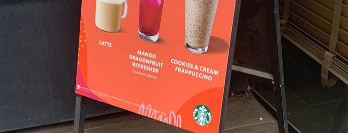 Starbucks is one of Orte, die Ismael gefallen.