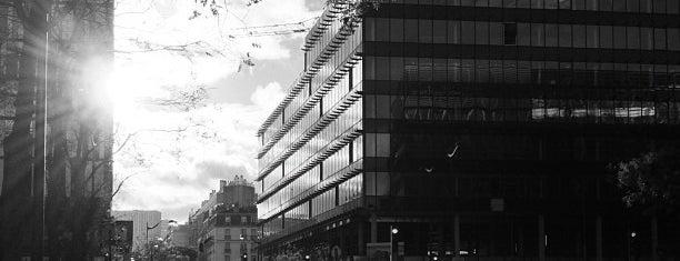 Métro Bibliothèque François Mitterrand [14] is one of Yarışmayla Yap'ılanlar.