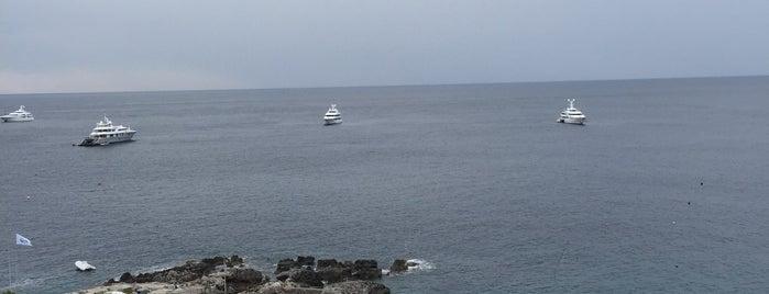 Weber Ambassador Hotel Capri is one of Posti che sono piaciuti a Yucel.
