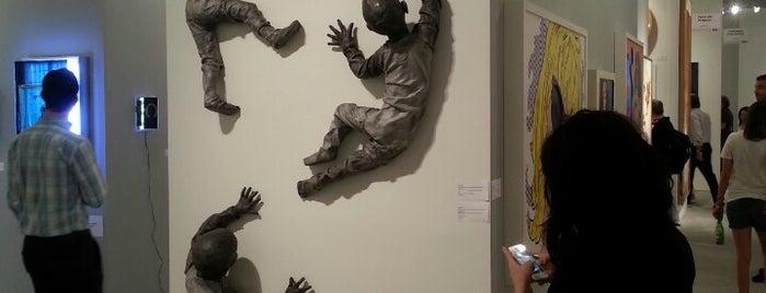 Art Miami 2013 is one of Lieux qui ont plu à Matthew.