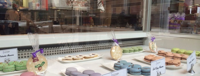 C.C Violine Pattiserie & Cafe is one of I Love Macarons.