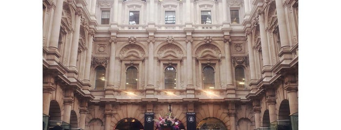The Royal Exchange is one of Lieux qui ont plu à Anna.