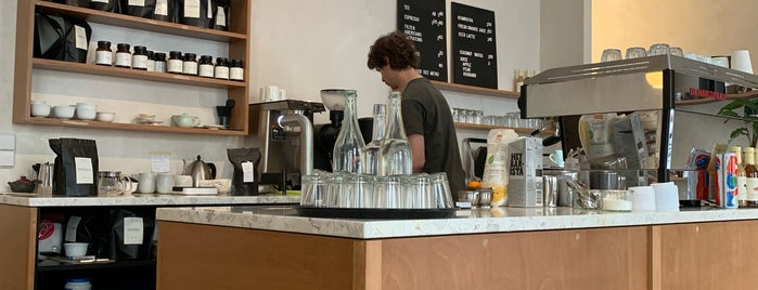 Companion Tea & Coffee is one of Lieux qui ont plu à Jon.