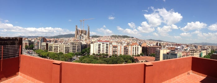 Diagonalflats - Sagrada Família is one of Erkan : понравившиеся места.