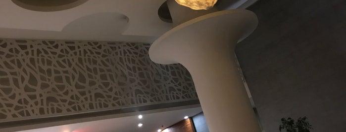 Pakarang Restaurant @ Kamala Beach is one of Lieux qui ont plu à Taygun.