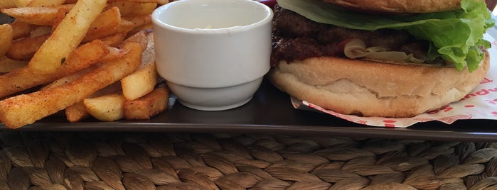 Food Club is one of Posti salvati di Doruk.