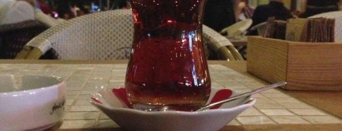 Robert's Coffee is one of Kadıköy Güzelleri.