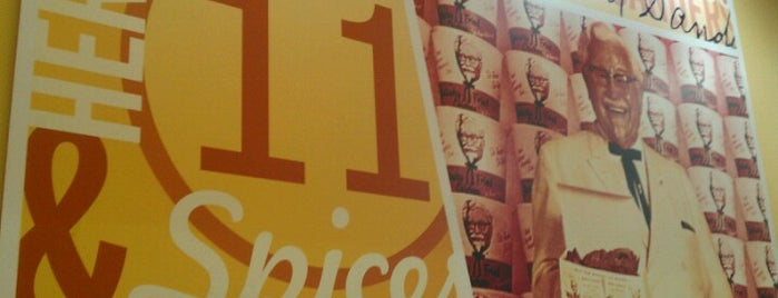 KFC is one of Locais curtidos por Carl.