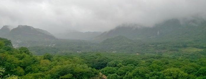 Rio Y Montaña is one of Lugares.