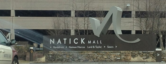 Natick Mall is one of Lieux qui ont plu à Alberto J S.