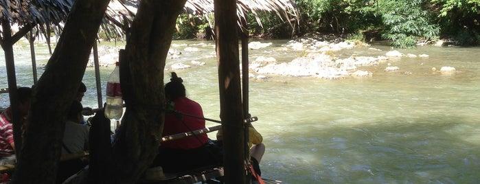 มือทอง อาหารริมน้ำ is one of Lugares favoritos de Chaimongkol.