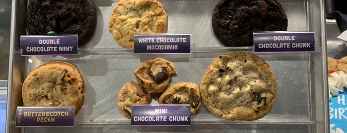Insomnia Cookies is one of Gaslight-family2015-dc-todo.