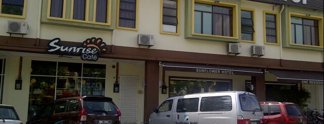 Hotel Sunflower is one of Orte, die Rahmat gefallen.