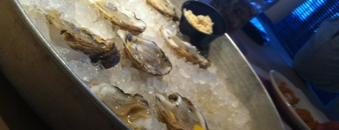 Shucks Fish House & Oyster Bar is one of Omaha.