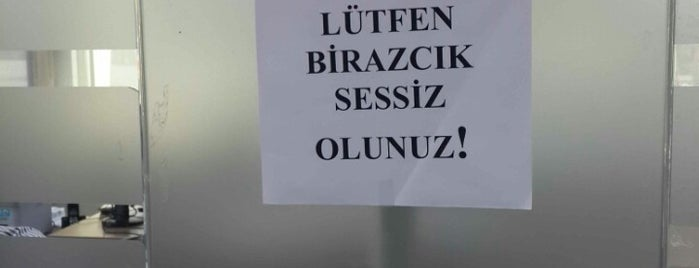 Bayraklı Tapu Müdürlüğü is one of Lieux qui ont plu à Murat Engin.