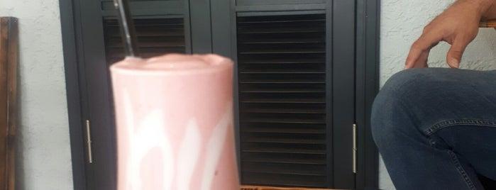 Happy Days Coffee&Cake is one of Orte, die Nalan gefallen.